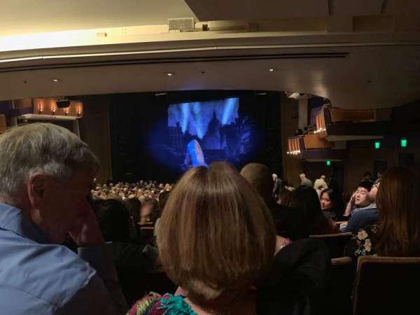 Ahmanson Theatre, vak: Rear Orchestra, rij: Y, stoel: 3