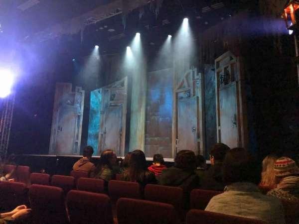 Alex Theatre, vak: Stalls, rij: E, stoel: 1