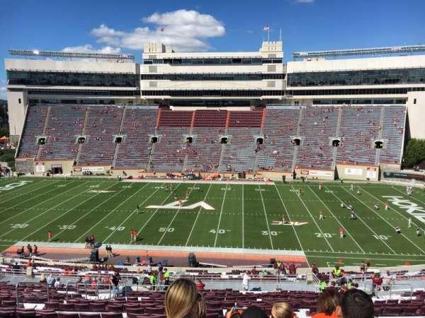Lane Stadium, vak: 9, rij: UUU, stoel: 24