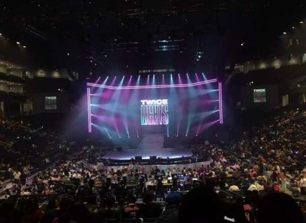 Wintrust Arena, vak: 102, rij: P, stoel: 5