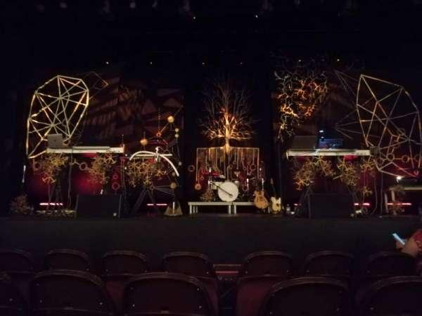Lincoln Theatre, vak: Center Orchestra A-L, rij: B, stoel: 105