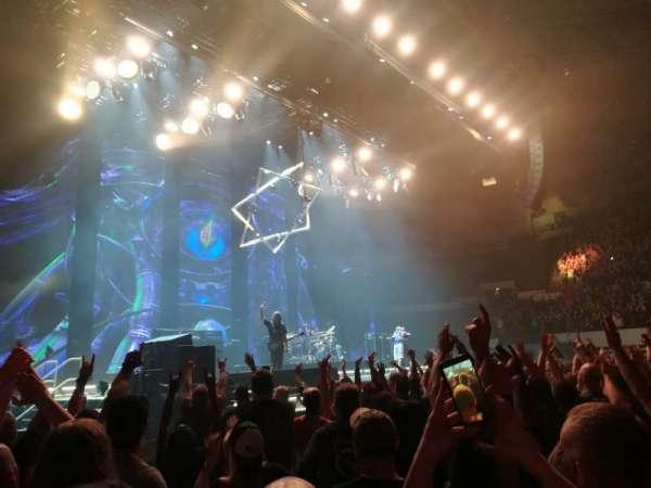 Hampton Coliseum, vak: Floor A, rij: 6, stoel: 17