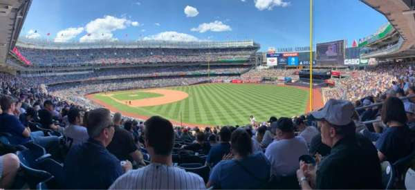 Yankee Stadium, vak: 210, rij: 16, stoel: 6