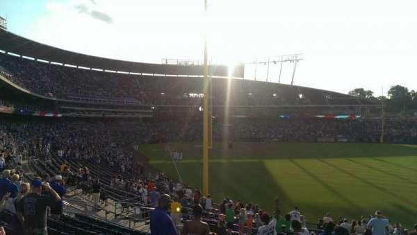 Kauffman Stadium, vak: 249, rij: LL, stoel: 11