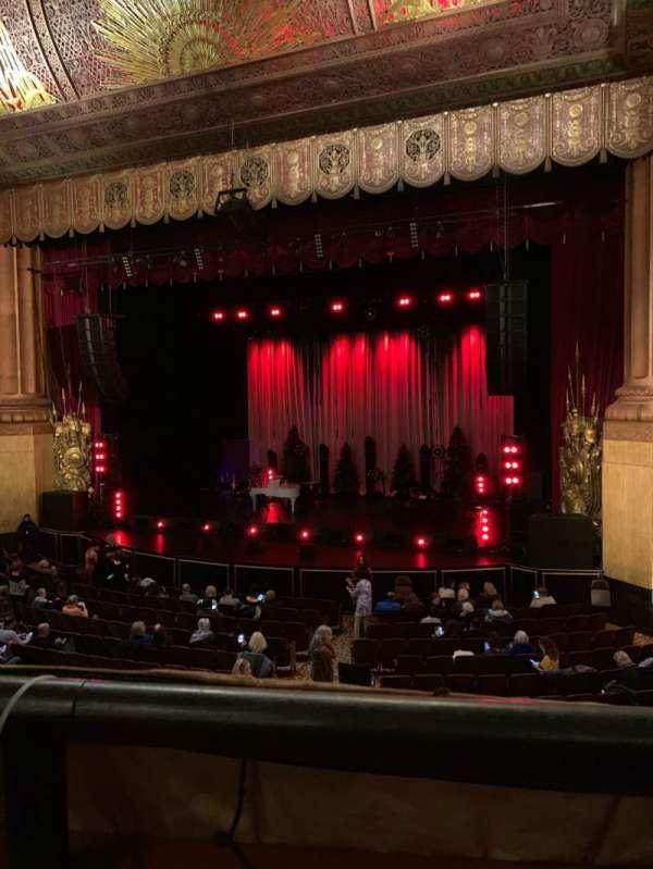 Beacon Theatre, vak: Loge 2, rij: A, stoel: 22