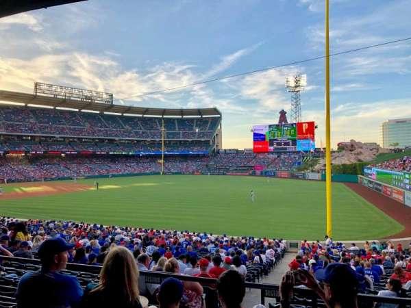 Angel Stadium, vak: T229, rij: D, stoel: 19