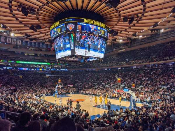 Madison Square Garden, vak: 110, rij: 10, stoel: 8