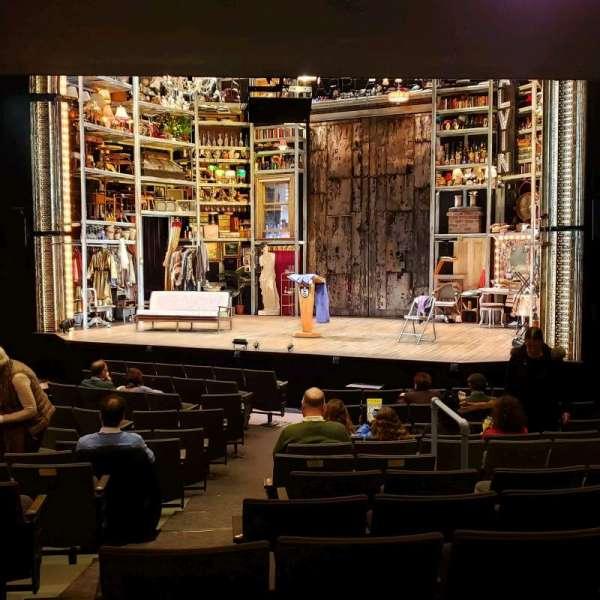 Laura Pels Theatre, vak: Orch, rij: O, stoel: 8