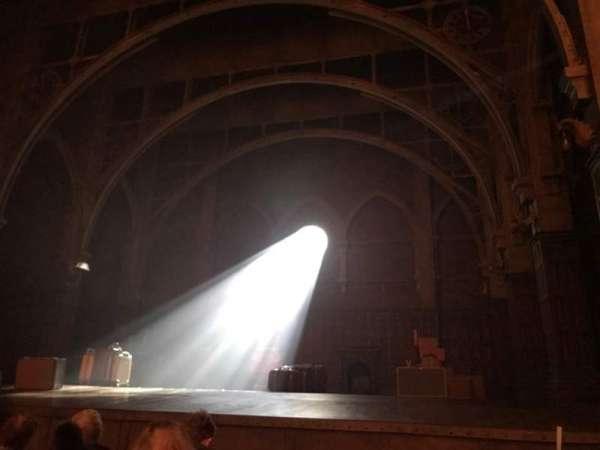 Lyric Theatre, vak: Orchestra R, rij: D, stoel: 12