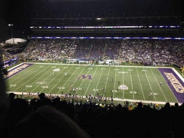 Husky Stadium, vak: 328, rij: 34, stoel: 3
