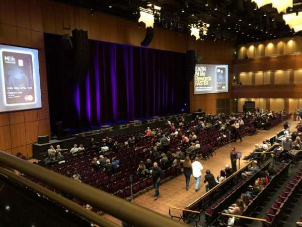 The Theater at MGM National Harbor, vak: 202, rij: A, stoel: 9