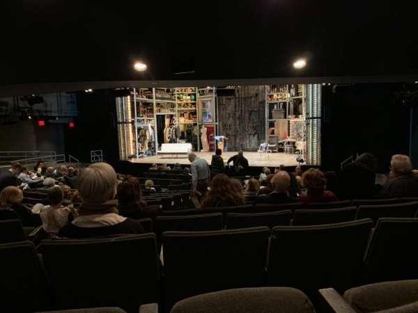 Laura Pels Theatre, vak: Orchestra, rij: Q, stoel: 8