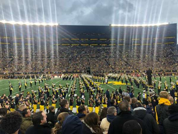 Michigan Stadium, vak: 24, rij: 6, stoel: 23