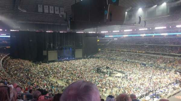 AT&T Stadium, vak: 328, rij: 14, stoel: 23