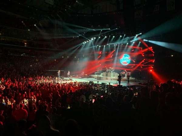 Wells Fargo Arena, vak: 104, rij: K, stoel: 3