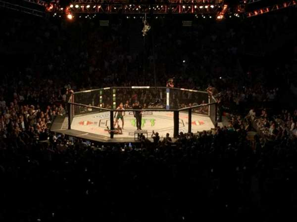 T-Mobile Arena, vak: 10, rij: Z, stoel: 27