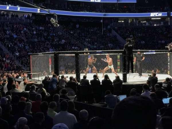 T-Mobile Arena, vak: 15, rij: DD, stoel: 3