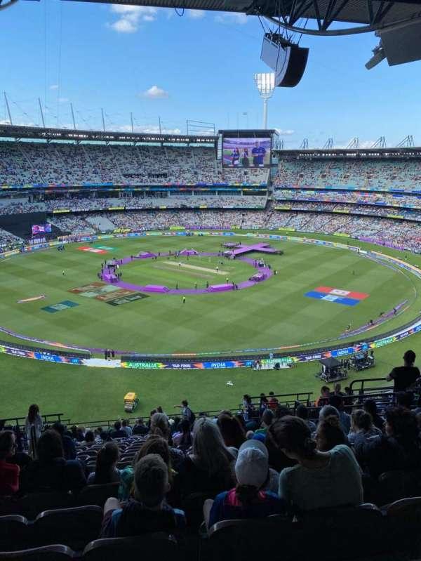 Melbourne Cricket Ground, vak: Q27, rij: W, stoel: 10