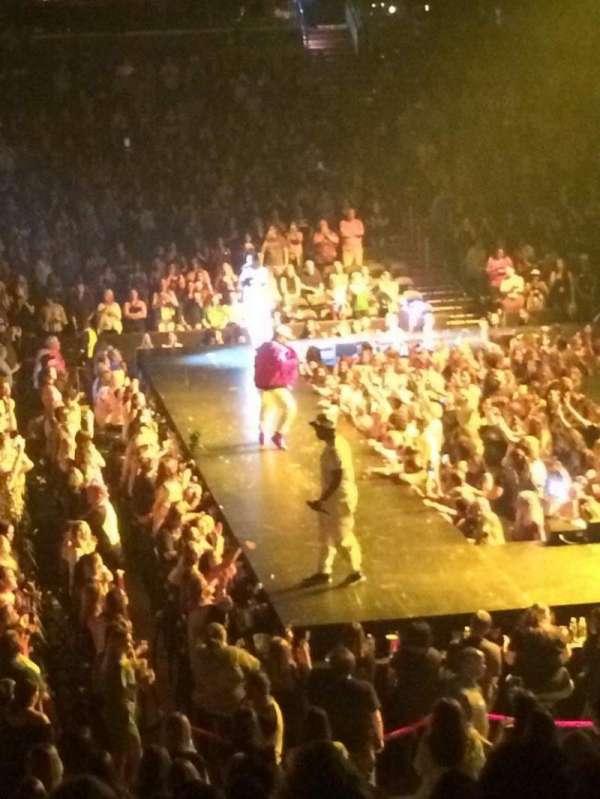 Capital One Arena, vak: 112, rij: S, stoel: 4