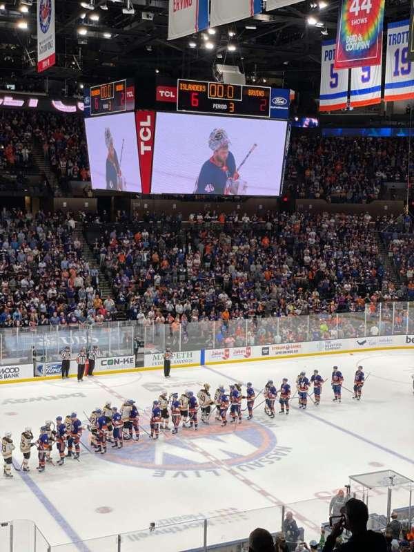 Nassau Veterans Memorial Coliseum, vak: 225, rij: 2, stoel: 3