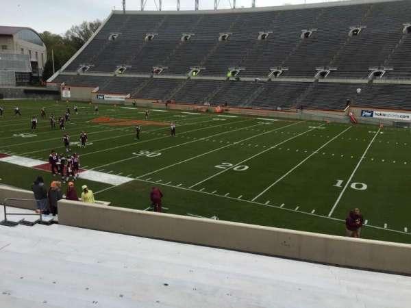 Lane Stadium, vak: 18, rij: W, stoel: 17