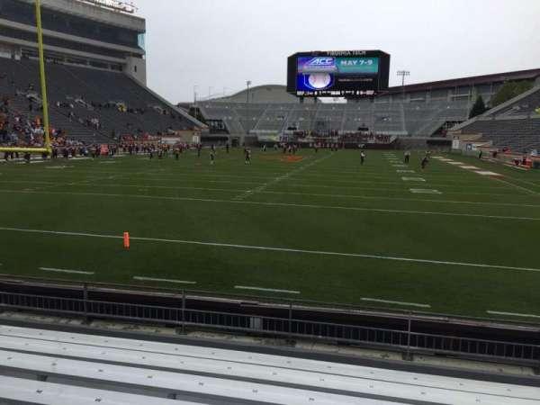 Lane Stadium, vak: 102, rij: H, stoel: 20