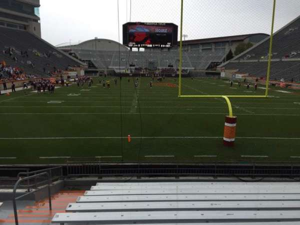 Lane Stadium, vak: 103, rij: M, stoel: 27