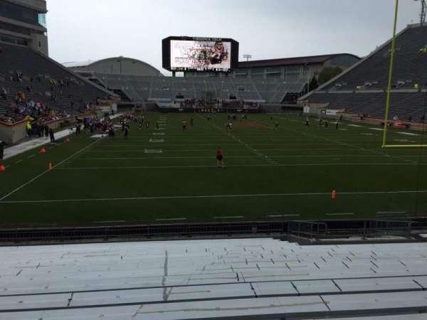 Lane Stadium, vak: 104, rij: R, stoel: 16