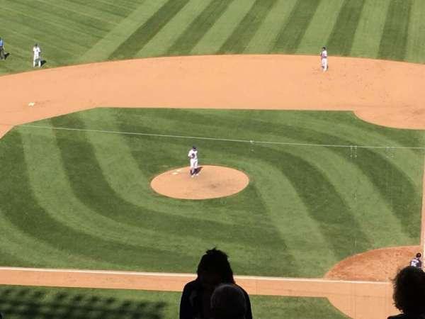 Wrigley Field, vak: 414L, rij: 6, stoel: 1