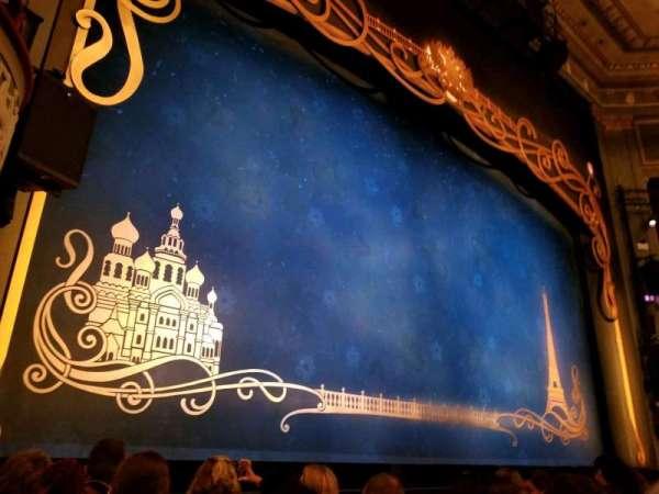 Broadhurst Theatre, vak: Orchestra L, rij: E, stoel: 5