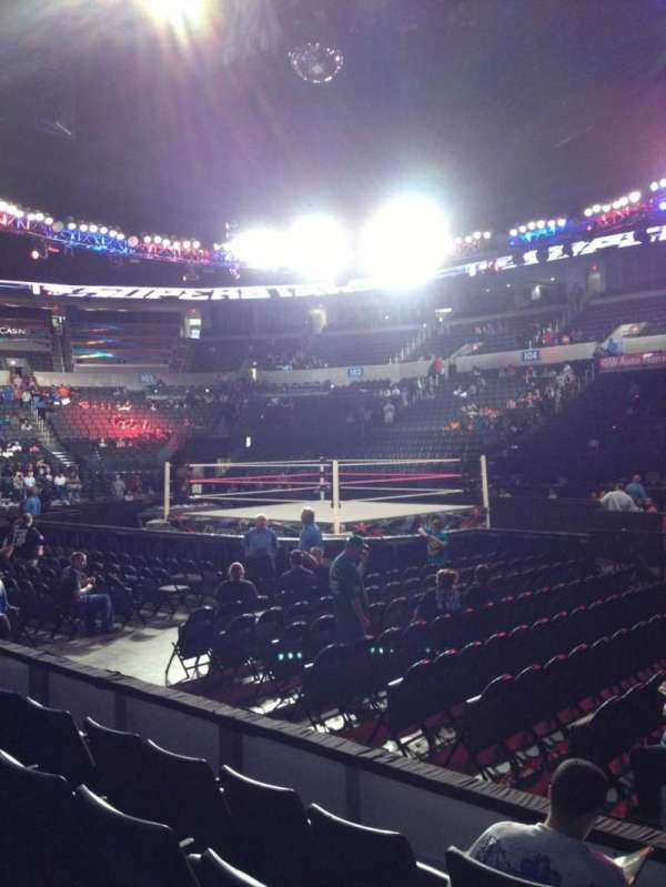 Chesapeake Energy Arena, vak: 115, rij: D, stoel: 1