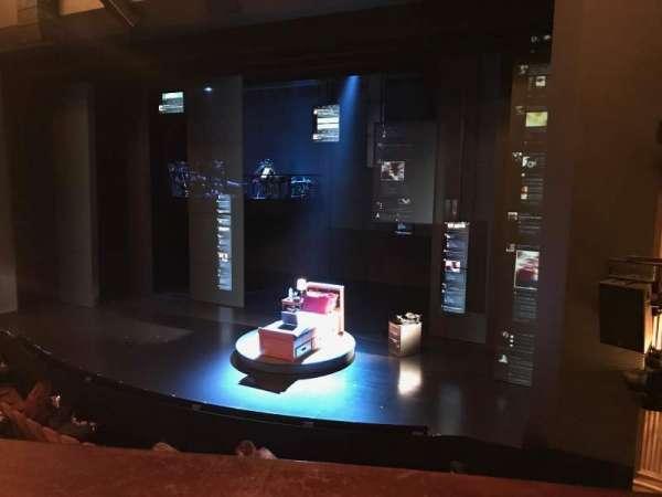 Music Box Theatre, vak: Mezzanine R, rij: A, stoel: 12