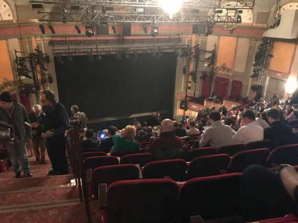 Neil Simon Theatre, vak: Mezzanine, rij: S, stoel: 101