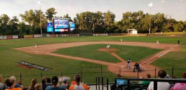 Jimmy John's Field, vak: 105, rij: 9, stoel: 1