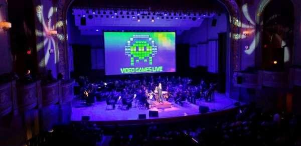 Orchestra Hall, vak: Box, rij: Q, stoel: 7