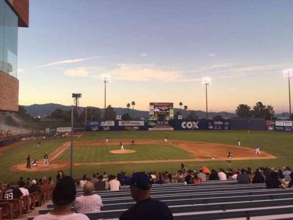 Cashman Field, vak: 16, rij: ZZ, stoel: 5-6