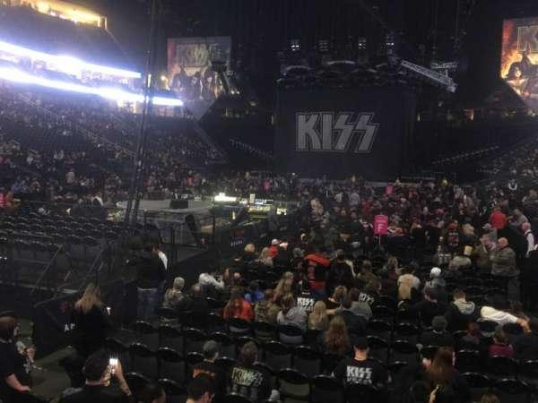 T-Mobile Arena, vak: 12, rij: A, stoel: 4