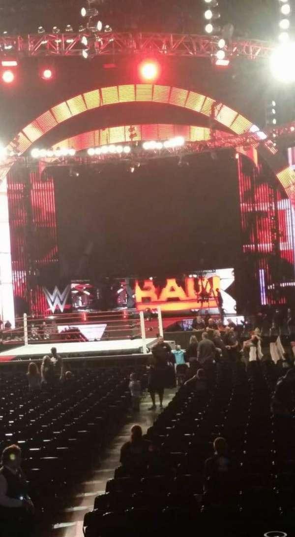 PPG Paints Arena, vak: 106, rij: H, stoel: 8