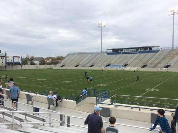 Johnson Hagood Stadium, vak: C, rij: 10, stoel: 1
