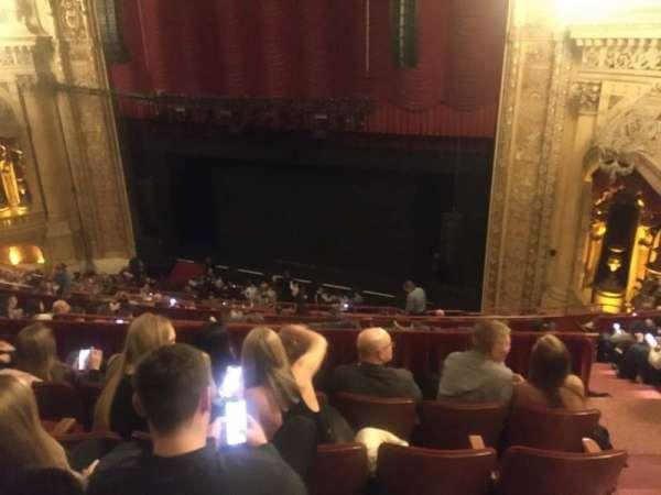 Chicago Theatre, vak: Balcony2R, rij: K, stoel: 220