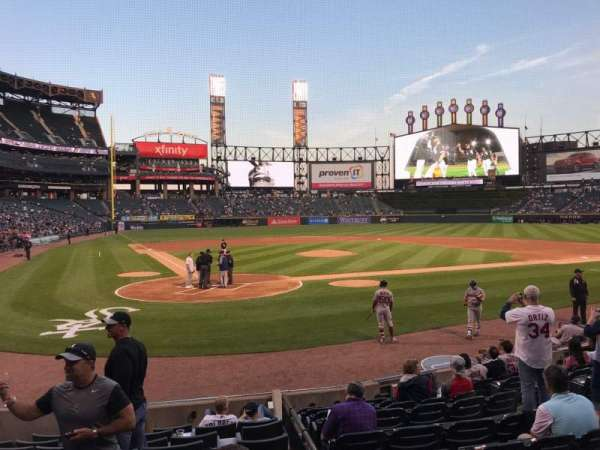 Guaranteed Rate Field, vak: 130, rij: 26, stoel: 5