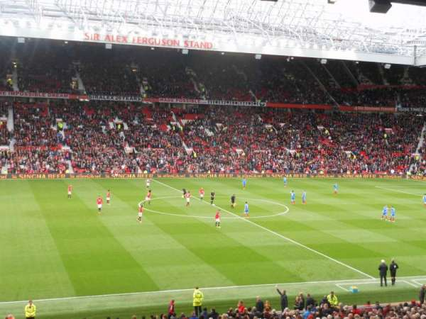 Old Trafford, vak: STH 221, rij: S, stoel: 184