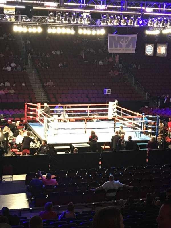 Gila River Arena, vak: 101, rij: O, stoel: 15
