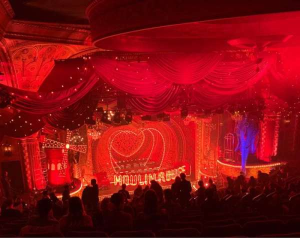 Al Hirschfeld Theatre, vak: Mezzanine L, rij: T, stoel: 5