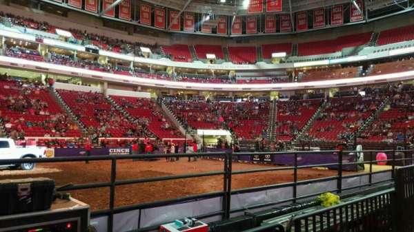 PNC Arena, vak: 104, rij: d, stoel: 9