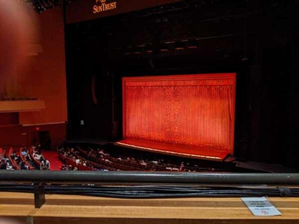 Durham Performing Arts Center, vak: Grand Tier 7, rij: A, stoel: 207