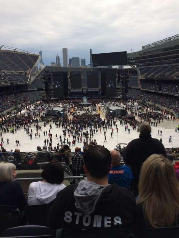 Soldier Field, vak: 322, rij: 10, stoel: 3