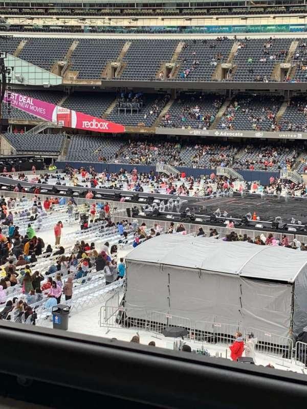 Soldier Field, vak: 235, rij: 1, stoel: 1