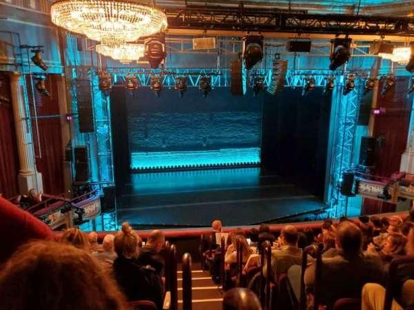 Broadhurst Theatre, vak: Mezzanine L, rij: J, stoel: 1