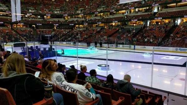 Honda Center, vak: 205, rij: H, stoel: 9